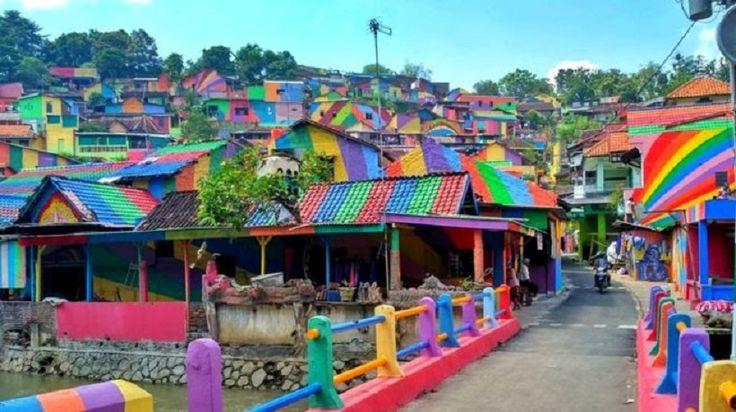 Kampung Pelangi, Instagram's rainbow village! - https://www.deviantworld.com/art/photography/kampung-pelangi-rainbow-village/