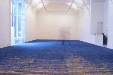 """Vue de l'exposition Leon Tarasewicz, """"Paysages de la peinture"""", 2003, La Criée centre d'art contemporain, Rennes. photo Benoît Mauras."""
