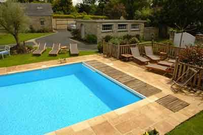 piscine des Chambres d'hôtes à vendre près de Vannes en Morbihan