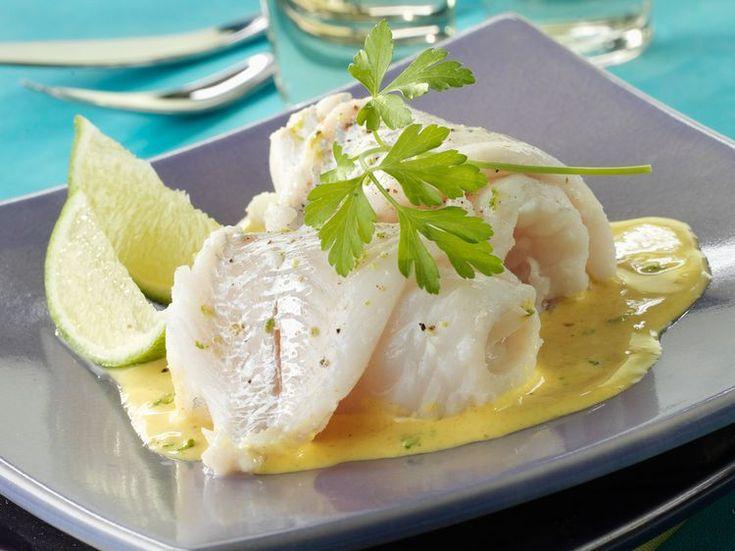 Découvrez la recette Filets de merlan à la crème moutardée sur cuisineactuelle.fr.