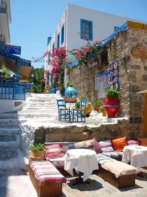 Een van de vele knusse straatjes op het eiland Kos.