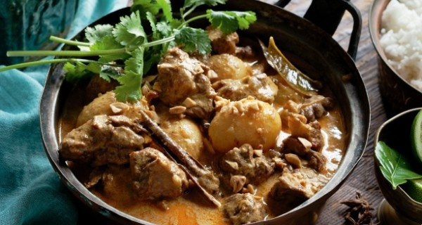 http://onlydish.com/beef-massaman-curry/ - Recreate hot nights in Thailand with this classic massaman curry with a divine rich coconut sauce and beef that falls apart at a mere touch.