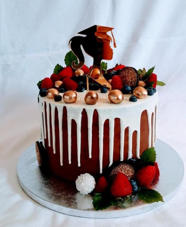 b73f24b057fa Drip torta na promócie torta