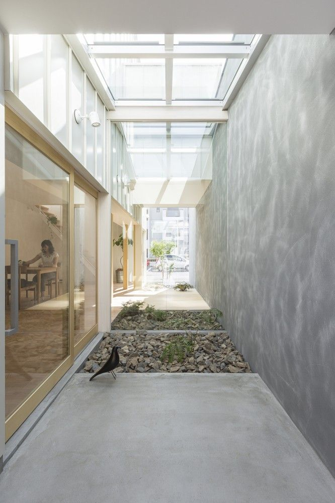 Kusatsu House / ALTS Design Office