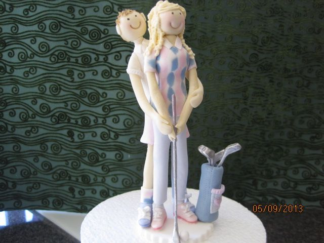 cartoon golfing cake topper hand made from sugar by Tania Riley, Johannesburg, SA 0829316200