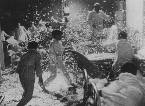 FIRST CLASS MOVIES | ZERO DE CONDUITE (1933). Jean Vigo directs a short...