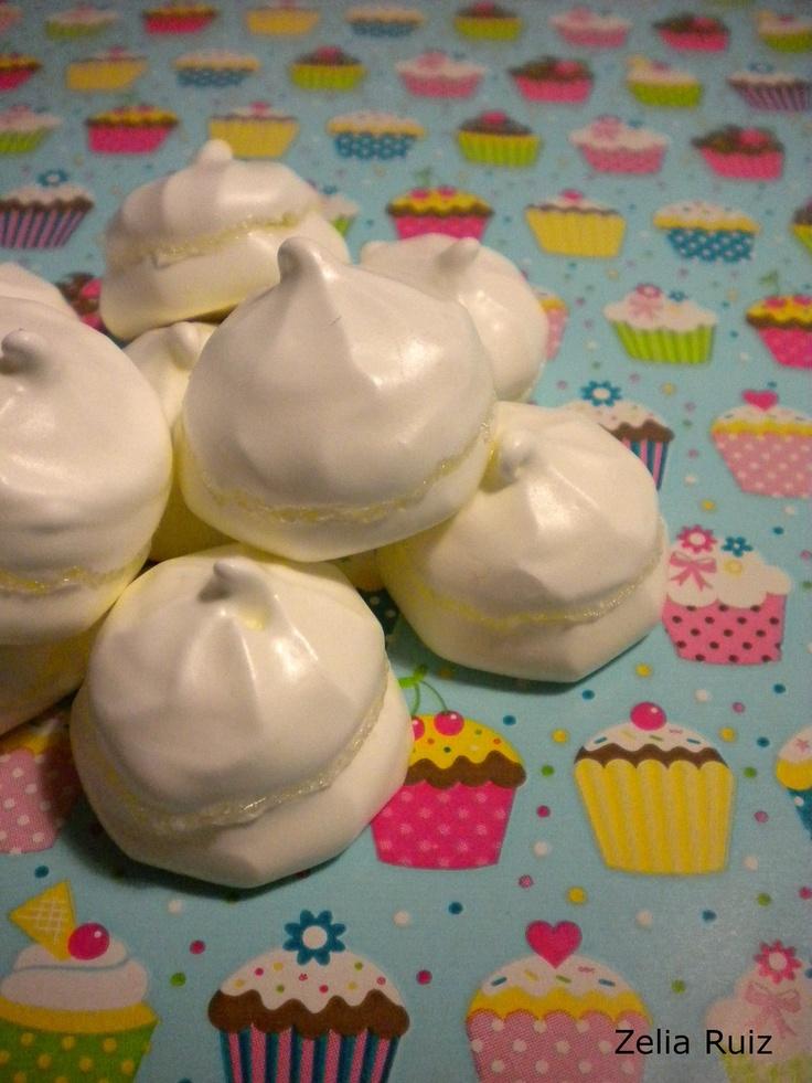 Piña colada merengues