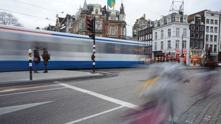 Beweging in de stad by Claudia Klarenbeek