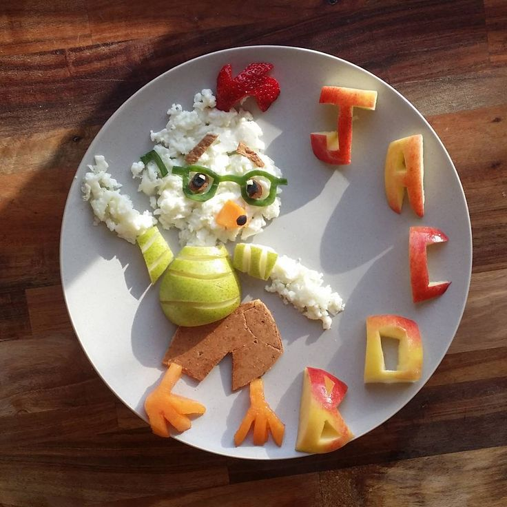 CHICKEN LITTLE Egg whites with toasted cheese and wholemeal wrap, pear, persimmon, strawberries, cucumber and apple letters - Jacobs food diaries