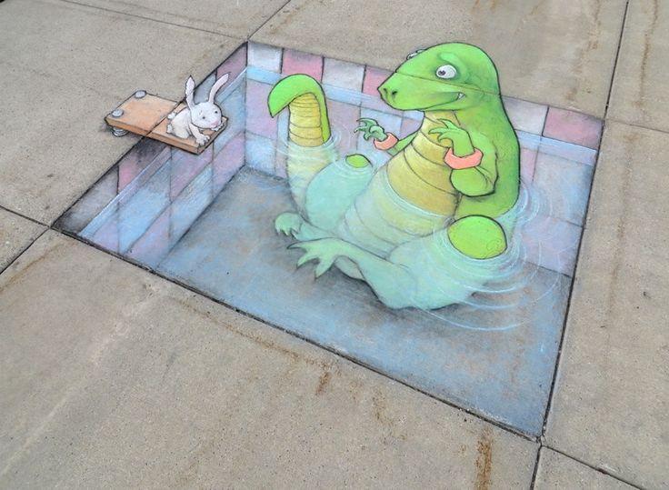 Des street art réalisés à la craie qui interagissent à la perfection avec les éléments urbains