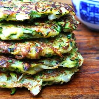Turkish food - Mücver - Courgette fritters with yogurt
