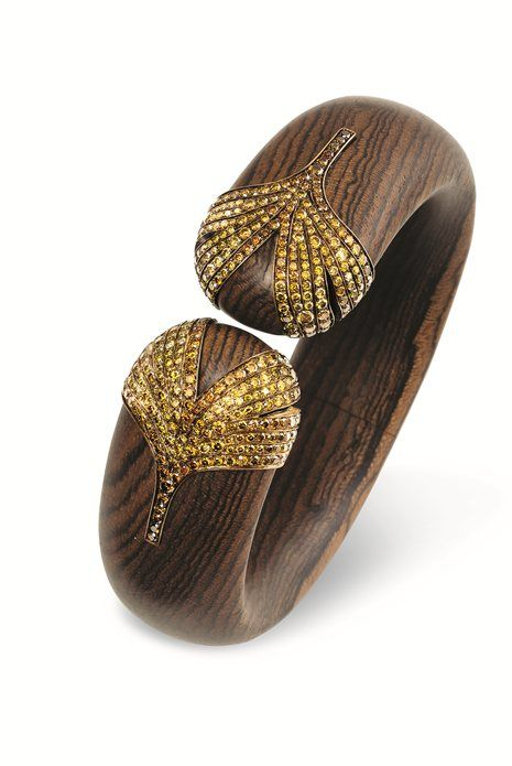 Hemmerle bracelet crafted out of diamonds, wood, bronze and gold, 2014 -