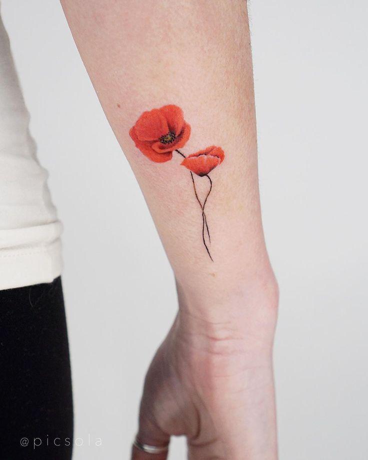 Small Poppies By Tattooist Picsola Inked On The Right Wrist Small Poppies By Tattooist Picsola Inked In 2020 Small Flower Tattoos For Women Tattoos Poppy Tattoo Small