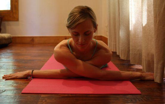 Criss Cross Shoulder Stretch