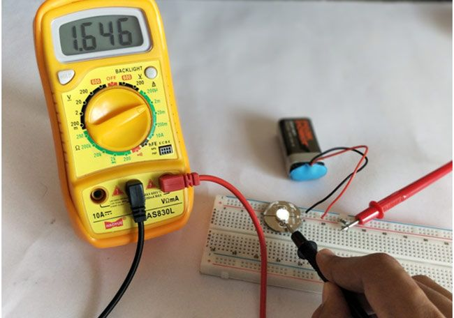 Newbie Guide How To Use A Digital Multimeter Multimeter Diy Electronics Digital