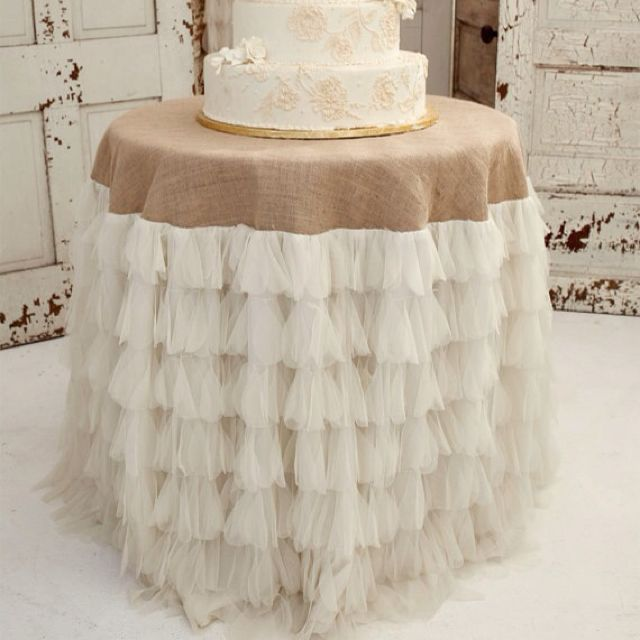 Love this for a rustic chic wedding