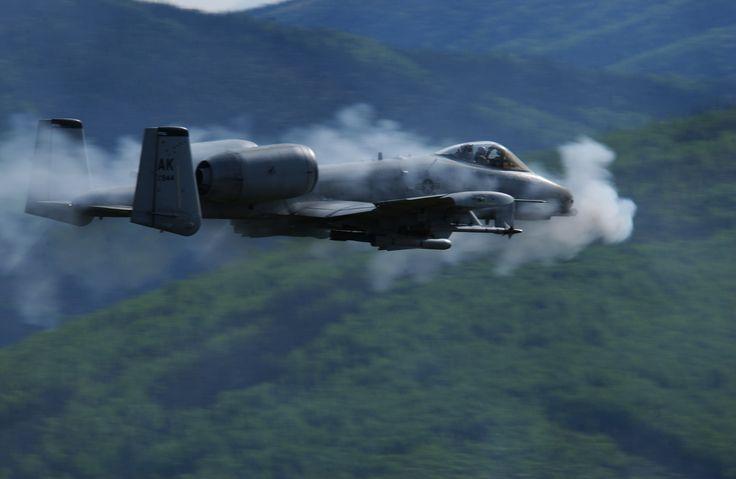 Fairchild Republic A-10 Thunderbolt II - Wikipedia, the free ...