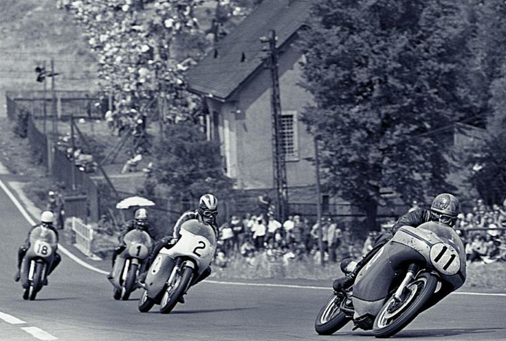 Agostini on the superior MV Agusta Sachsenring circuit 1968