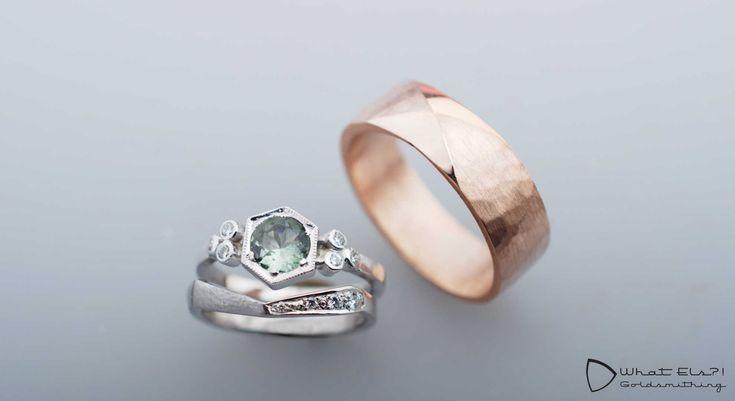 Speciale trouwringen van goud en diamant, de één roodgoud, de ander passend bij…