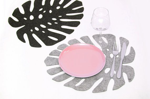 Set of 2 placemat Leaf . Felt is perfect for protecting your table.  @oozefina