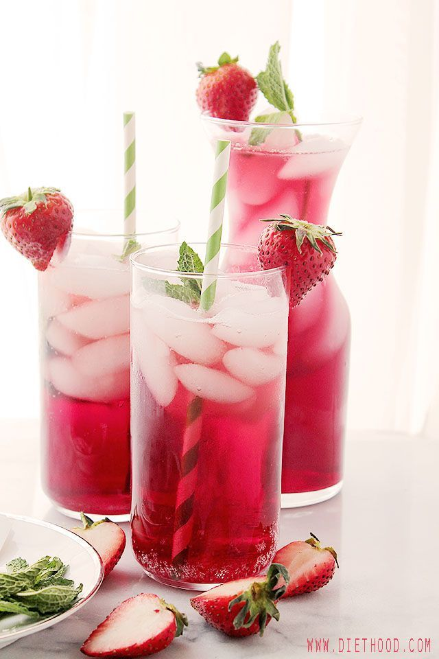 Hibiscus Iced Tea Sparkler   http://www.diethood.com   A very refreshing and delicious spring or summer-drink made with hibiscus tea and sparkling water.   #drinks #recipe
