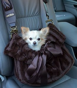 Dog Carrier Snuggle Bug by Pet Flys, I could so see my Toshi in this and me carrying him..lol