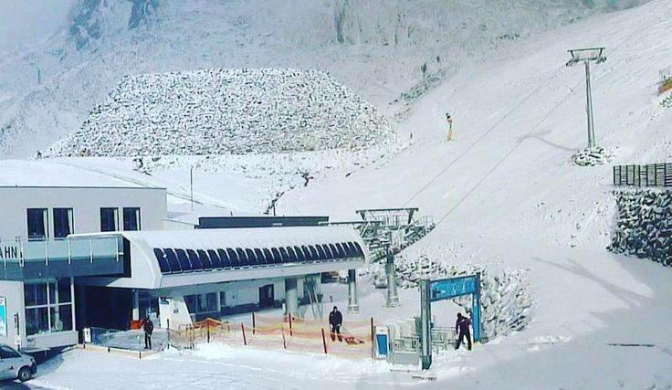 Today @soelden.official #glacier  are you ready for #winter ? Opening #gruenwaldresort on #october 26 for the #skiworldcup #skiopening #skiing #skifahren #skiurlaub #herbstskifahren #skiinskiout #direktanderpiste #glacierskiing #snowguarantee #snow