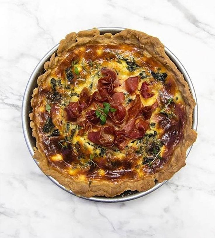 Spinatquiche  mit Spinat natürlich aber auch ganz vielen geheimen Zutaten  Zum nachkochen gibt's das Rezept bei Gegessenwirdimmer.de und da kann auch direkt bestellt werden  @gegessenwirdimmer  #foodguideapp #hamburg #hansestadt #hhfood #welovehh #welovehamburg #hamburgfood #ig_hamburg #hamburgstagram #hamburgerecken #ilovehh #ilovehamburg #foodhamburg #restauranthamburg #hamburgrestaurants #hamburgrestaurant #hamburgeats #igershamburg #fresh #travel #healthy #foodie #cleanfood #greenfood…