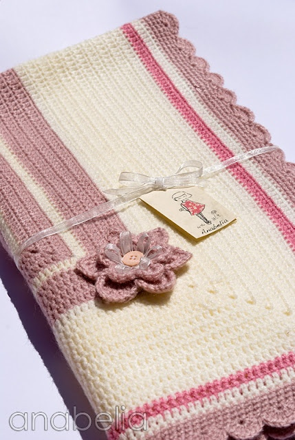 Isnt this the most gorgeous baby blanket?!  Baby blanket Sara by Anabelia