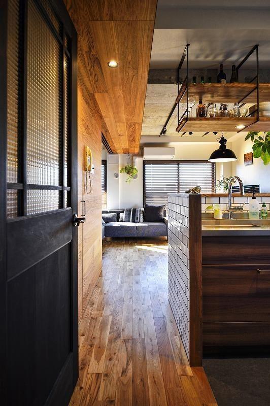 専門家:スタイル工房が手掛けた、キッチン(木、アイアン、打ちっぱなし。素材感が映えるヴィンテージ空間)の詳細ページ。新築戸建、リフォーム、リノベーションの事例多数、SUVACO(スバコ)