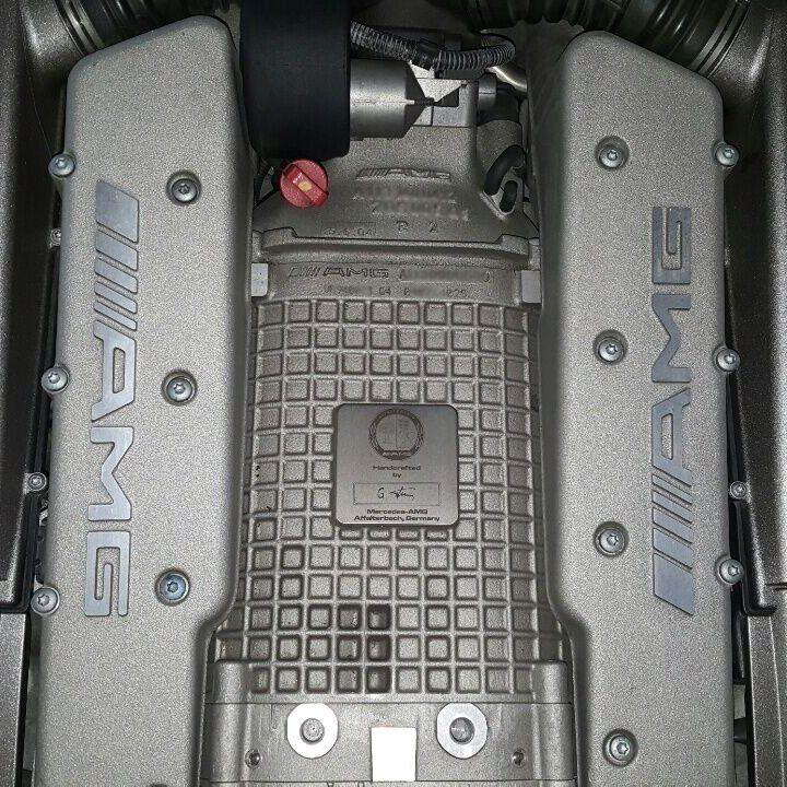 Mercedes Benz SL 55 AMG V8 Kompressor Engine / follow us on http://www.facebook.com/slslgarage