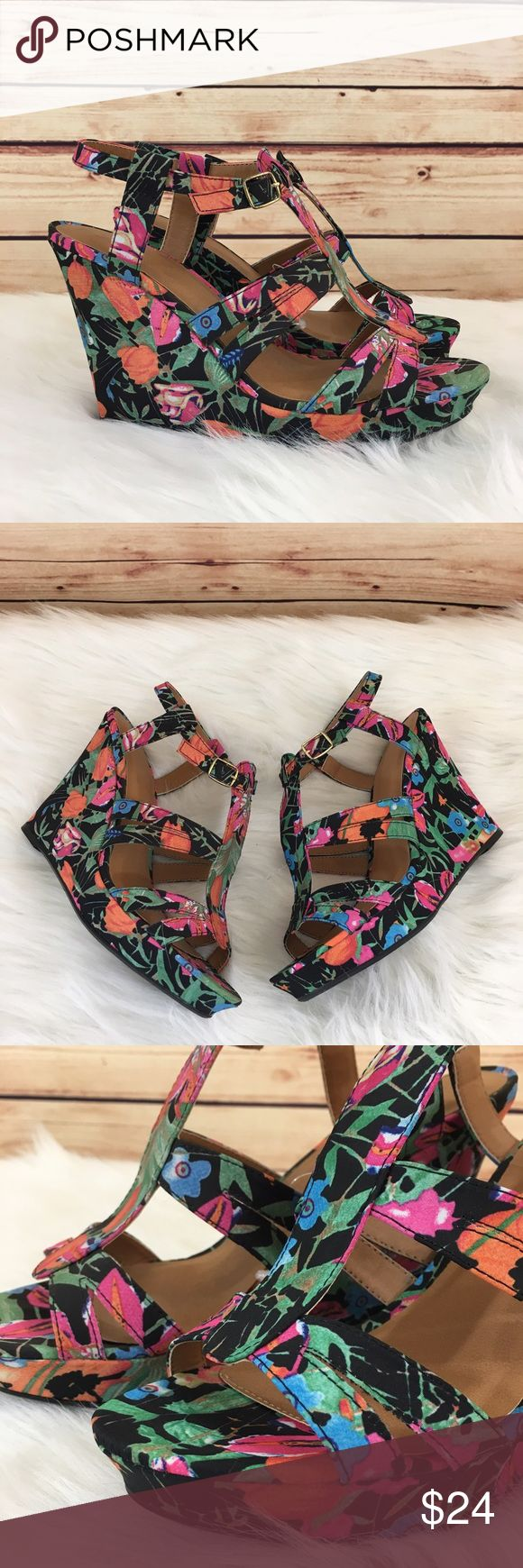 """Tropical wedges size 9 (brand new) Brand new / Tropical wedges Size 9, fits true to size Gold hardware / strap and buckle closure  Platform height: 5"""" *Color may vary in diff lighting  *Bottoms may show some shelf wear *Comes without shoebox but will be packaged in a usps shipping box.  ✨Bundle discounts offered, just ask. (Shoes are weighty, so please be mindful of the 5 lb max limit) Shoes Wedges"""