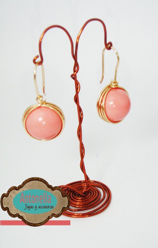 Código: zar-00012 Zarcillos de oro laminado y polvo de nácar rosado. #Earrings -no disponible en este color, se puede hacer en otro color  a gusto del cliente-