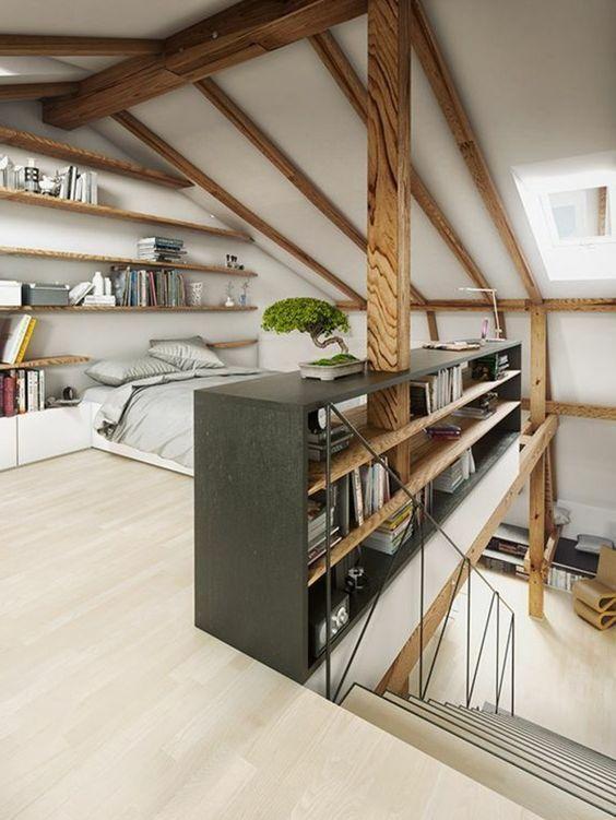 elterliche Suite unter Dach Licht Holzboden Licht Parkett Möbel Schlafzimmermöbel