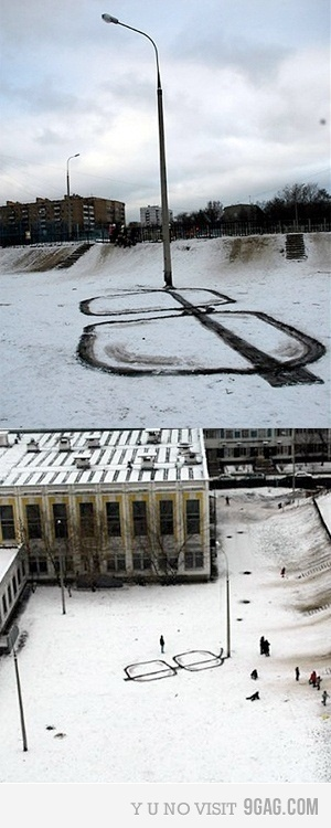 now where did i put my glasses?Awesome, Plain Funny, Giants Glasses, Street Art, 3D Art, Snow Glasses, Funny Photos, Snow Art, Streetart