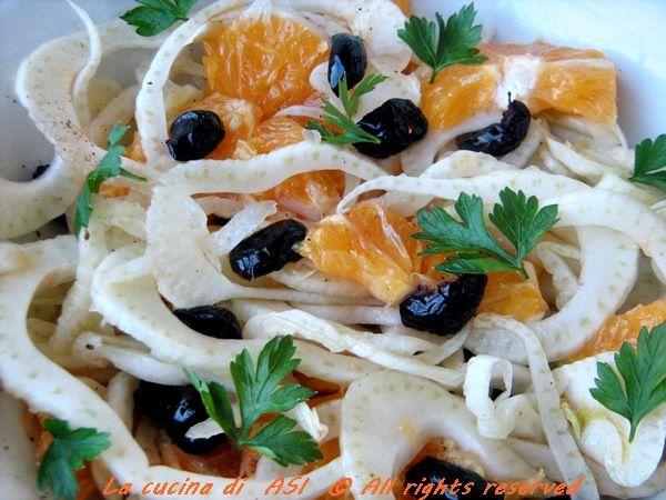Una classica insalata con arance,finocchi,olive nere...un gusto fresco particolare ma anche ingredienti sani per una alimentazione corretta La cucina di ASI