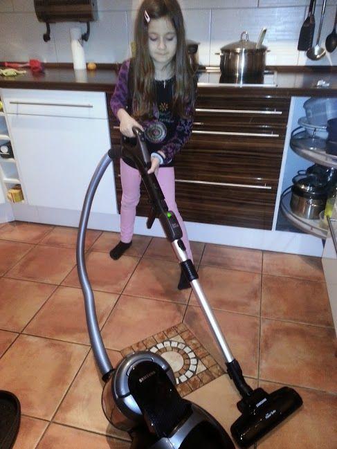 Meine Tochter saugt auch endlich mal ab :-)