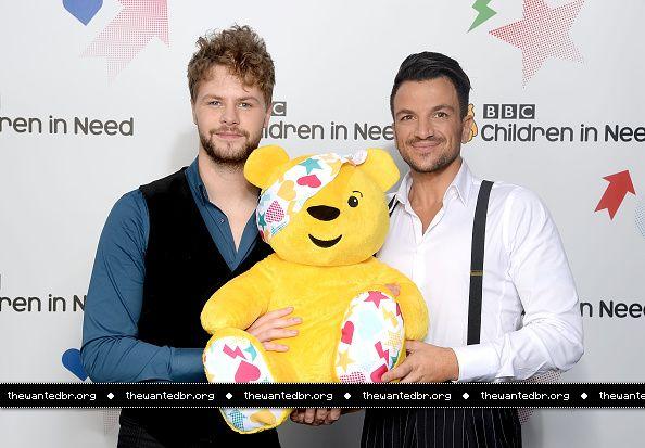 Jay e @MrPeterAndre no Children in Need, da BBC. (7 nov.)