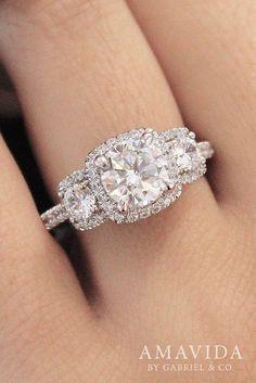18k White Gold Round 3 Stones halo Engagement Ring
