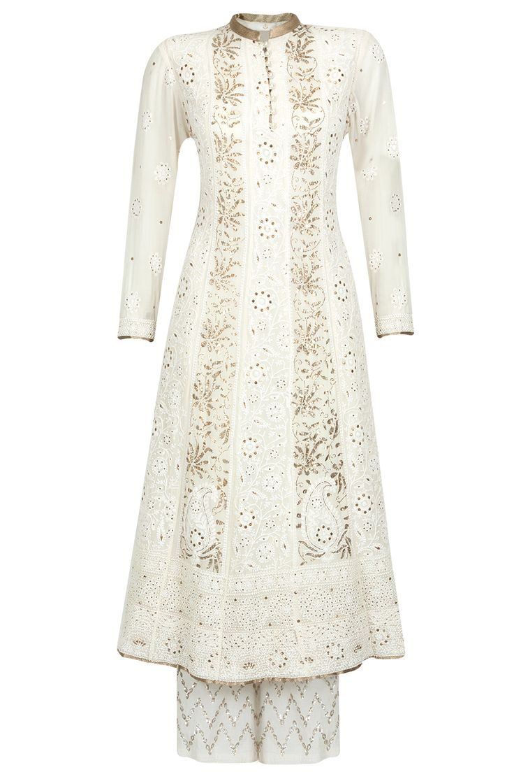 Ivory chikan kamdani embroidered kurta set available only at Pernia's Pop-Up Shop.
