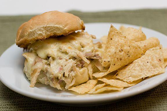 Pulled Chicken Suiza Sandwich (shredded chicken)