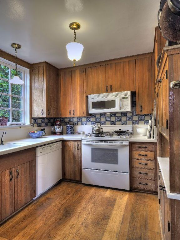 Vintage Kitchen Cabinets In This 1934 Santa Barbara California A Cottage 20s 30s Spanish Revival Home Pinterest