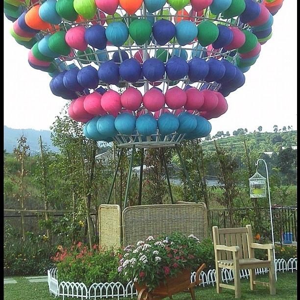 Wahana Balon Udara, Kampung Gajah