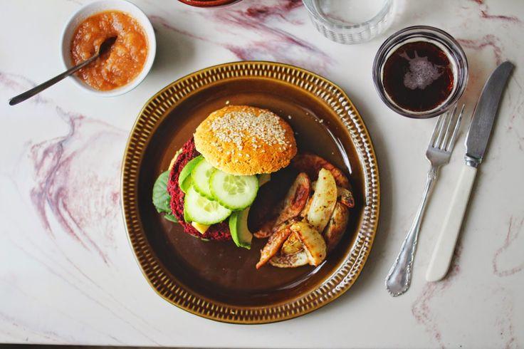 happyfoodstories: Veggisburgere m. linser & quinoa + gutenfrie burgerbrød