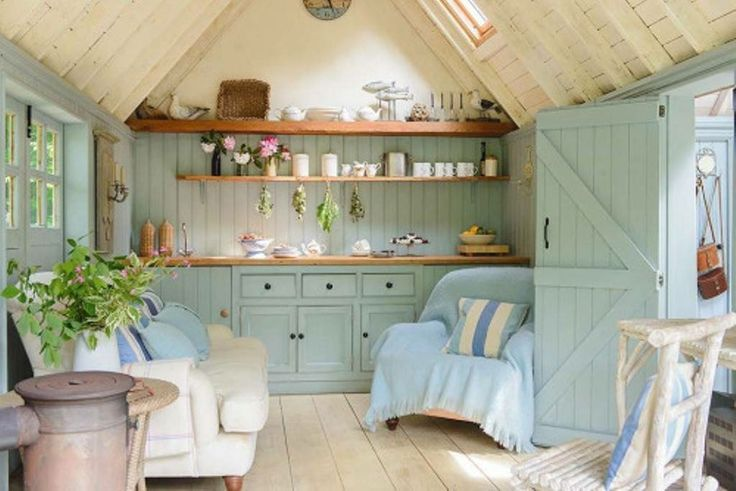 Perfect little room ~ awesome materials, peaceful colors, lots of natural light, comfy seating, plenty of storage