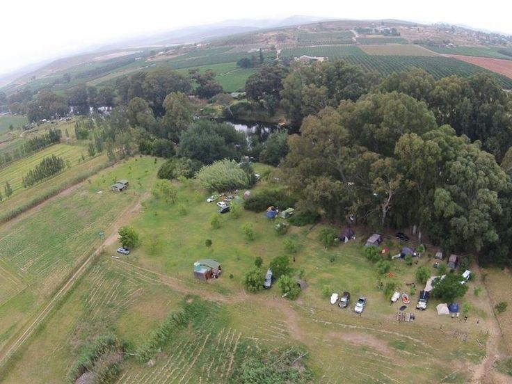 Situated on the banks of the Breede River and on the farm Eureka, campers will find River Goose Camp Site.  It is ideal for those just wanting to relax and enjoy nature while still exploring the towns of the Breede River. <br /> <br />Guests have a choice of 15 campsites and all of them are on grass.  Most have shade and are wheelchair accessible.  All the sites share an ablution block with flush toilets, showers and hot water.  Wood and braai facilities are available.No electricity at camp…