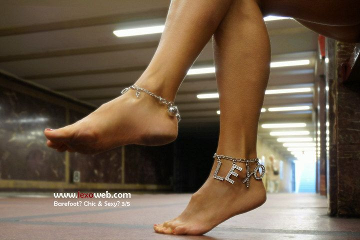 #Barefoot, chic and sexy even on the underground! http://www.lexoweb.com/picx.htm