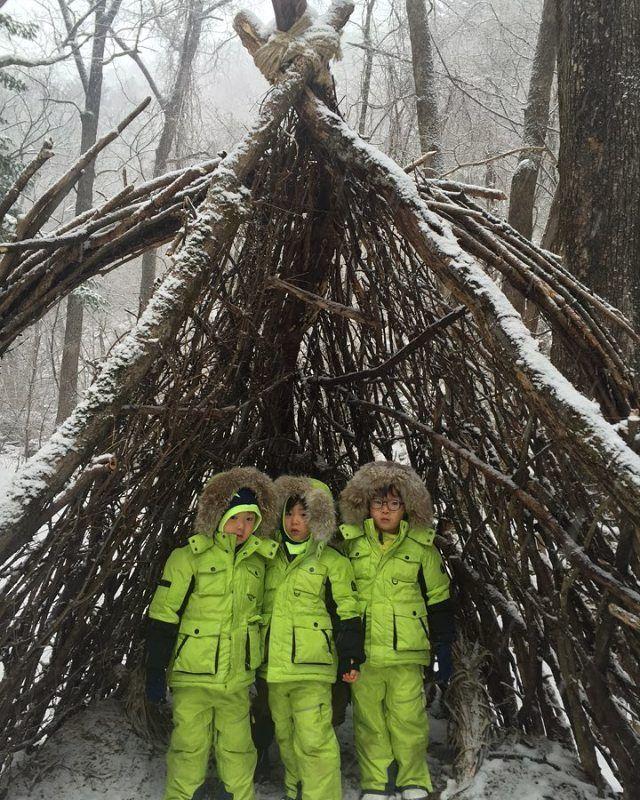 아빠는 촬영 중! 아이들은... 마지막 겨울을 만끽 중~^^; #대한민국만세 #songtriplets