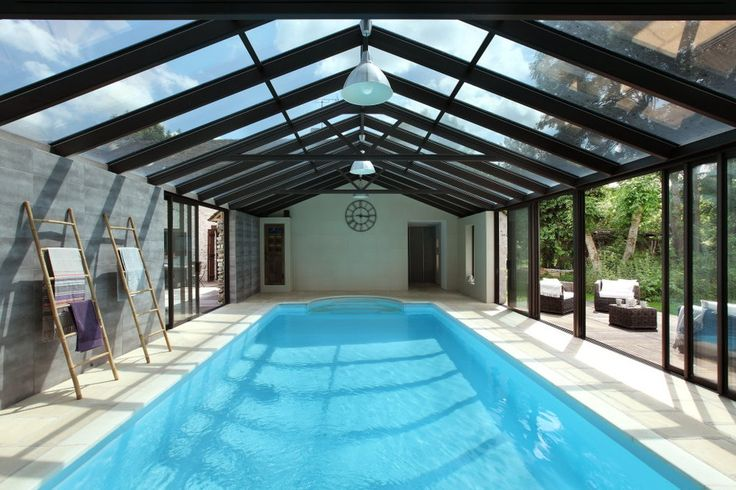 Véranda piscine avec vue sur jardin