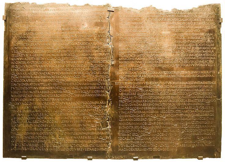Lyon-TableClaudienne,  plaque de bronze qui transcrit un discours de l'empereur Claude
